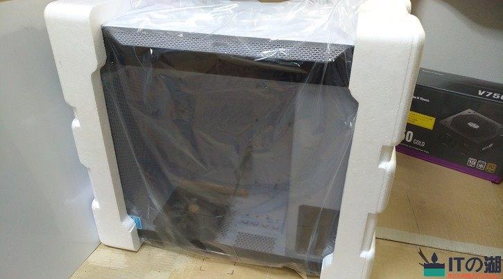 thermaltake S100GB 発泡スチロール